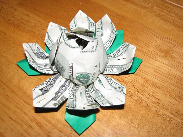 Money Origami Lotus (Flower) Instructions - YouTube | 450x600