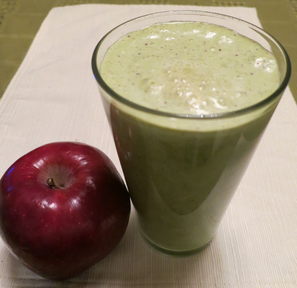 Cinnamon Apple Peanut Butter Smoothie Recipe