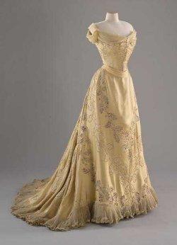 Rose's Dresses (Titanic) - Rose's Theme - YouTube